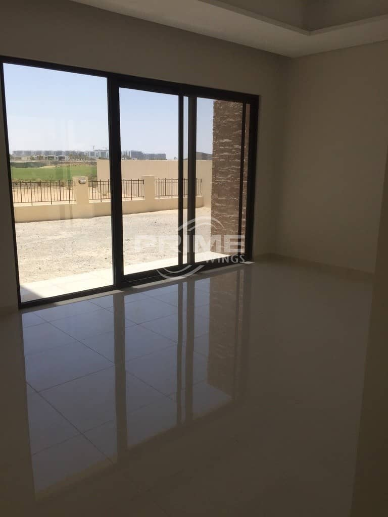 Amazing 4 Br+maids villa with Golf View