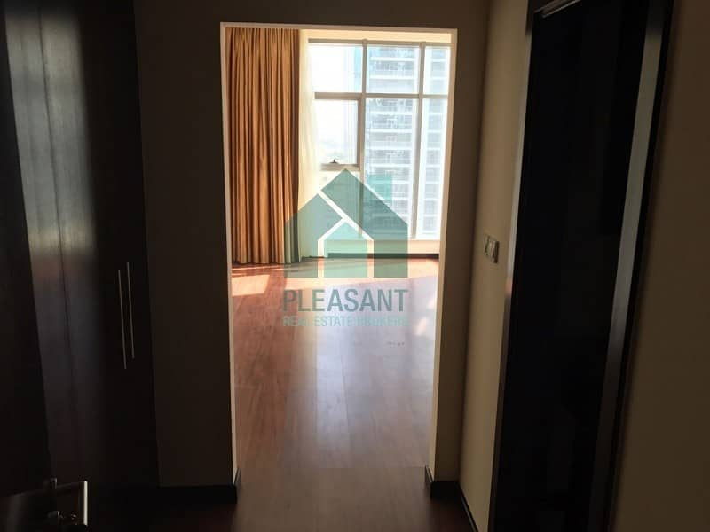 2 Fully furnished 2BR+M| full lake vie| green lakes S1| JLT