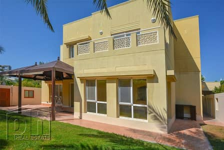 6 Bedroom Villa for Rent in The Meadows, Dubai - Spacious - Well Located - Landscaped Garden