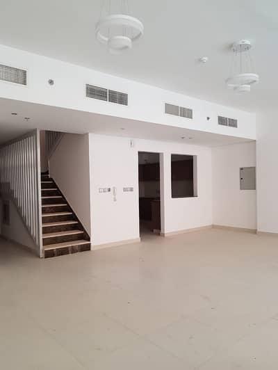 فلیٹ 2 غرفة نوم للايجار في واحة دبي للسيليكون، دبي - شقة في بن غاطي دياموندز واحة دبي للسيليكون 2 غرف 85000 درهم - 4393175