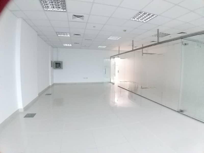 مکتب في عود ميثاء بر دبي 70200 درهم - 4393320
