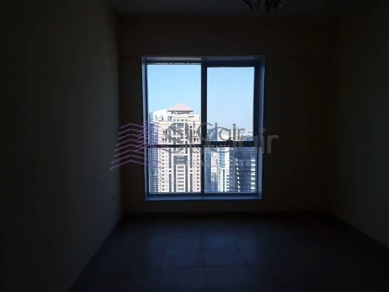 2 1 Bedroom | Higher Floor | Community View