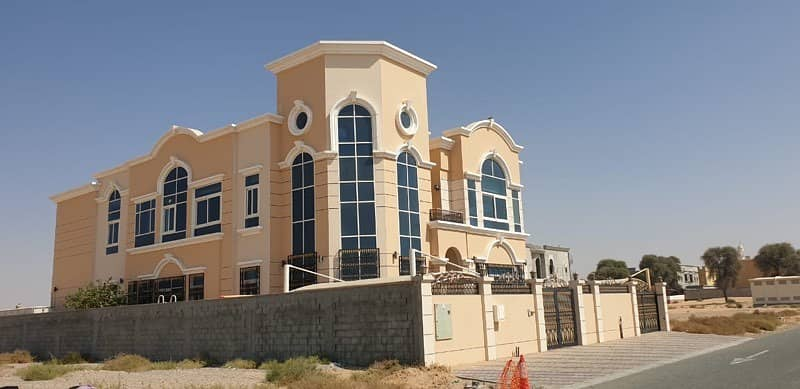 super deluxe villa for sale in Al Tay-sharjah (free hold )