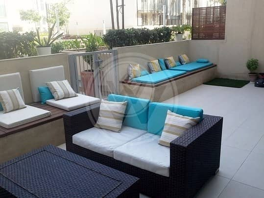Few meters from the beach with private pool