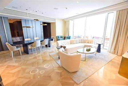 3 Bedroom Flat for Sale in Palm Jumeirah, Dubai - High Floor | Skyline Views | Private Jacuzzi