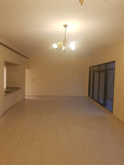 3 Bedroom Flat for Rent in The Greens, Dubai - 3BHK With 2 Parking | Big Living area | Semi-Open Kitchen | Al Sidir 1 | Greens