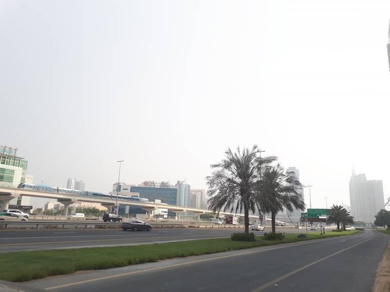 ارض تجارية في شارع الشيخ زايد 135000000 درهم - 4394706