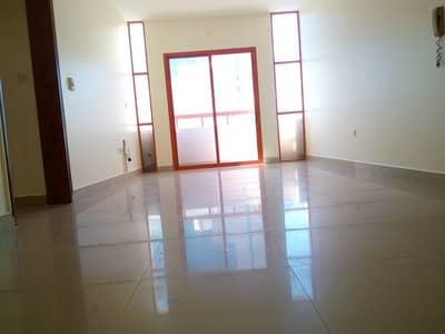 شقة 2 غرفة نوم للايجار في المشرف، أبوظبي - شقة في شارع دلما المشرف 2 غرف 55000 درهم - 4395350