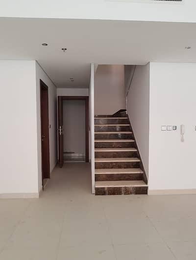 شقة 2 غرفة نوم للايجار في واحة دبي للسيليكون، دبي - شقة في بن غاطي دياموندز واحة دبي للسيليكون 2 غرف 84000 درهم - 4395648