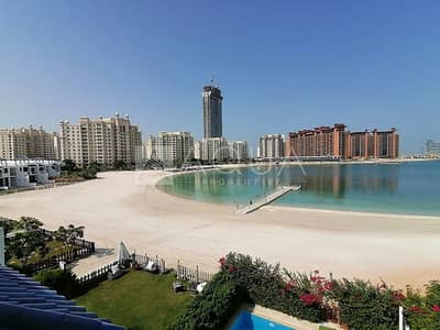 5 Bedroom Townhouse for Sale in Palm Jumeirah, Dubai - Beachfront 5 Bedroom Townhouse | Sea Views