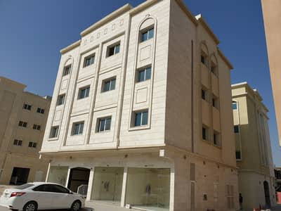 Shop for Rent in Muwaileh, Sharjah - Shops for rent school district Muwailih Sharjah 10000 AED large spaces valid for any activity with all approvals