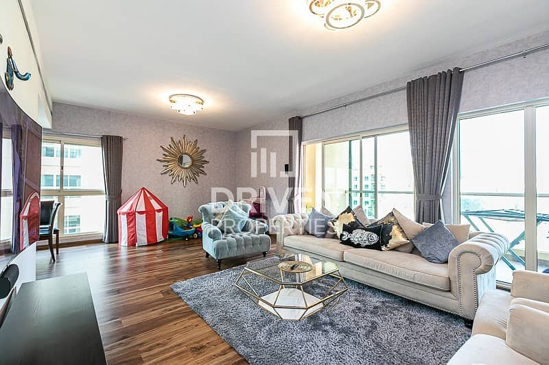 Fully Upgraded 2 Bed   Pool Facing Apartment