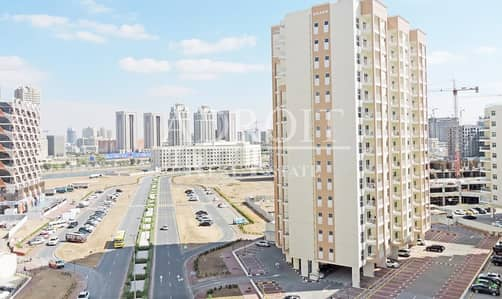3 Bedroom Flat for Sale in Liwan, Dubai - Great Deal for Affordable and Comfy 3BR Apt in Queue Point!