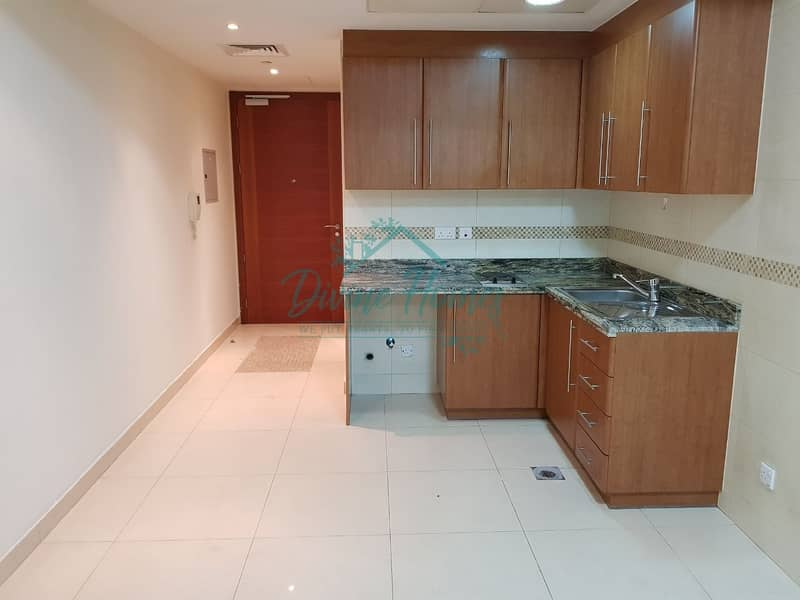 2 Furnished Or Unfurnished | Huge Layout | Near Metro | Park View