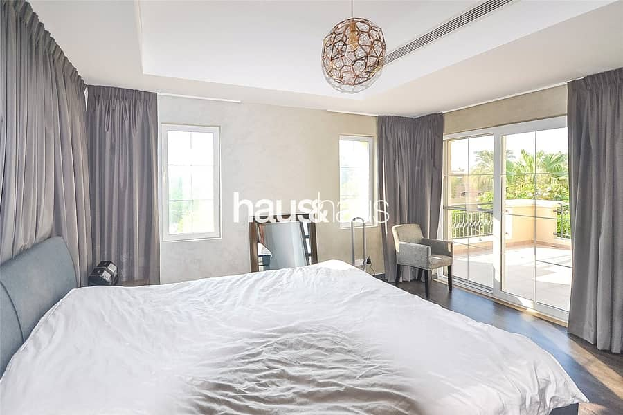 10 Type B1 | 4 bedrooms | Private single row position