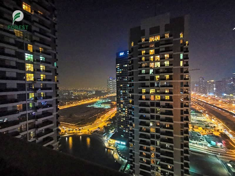 33 Large 1 Bedroom with Full Marina View   High Floor
