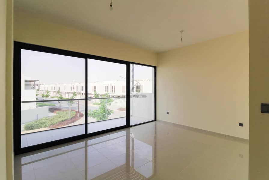 2 Brand New   Large 6BR Villa with Huge Plot