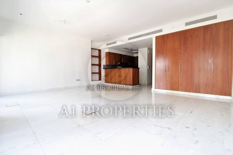 2 Cozy Bright Studio Apartment with SZR View