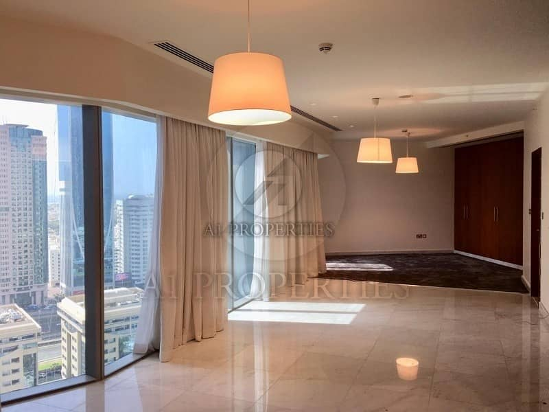 Bright Studio Apartment on High Floor