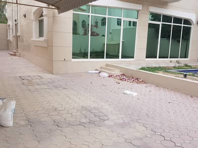 4 Bedroom Villa for Rent in Al Fisht, Sharjah - *** GREAT  DEAL - Spacious 4BHK Duplex Villa with garden space available in Al Fisht area for affordable price  ***