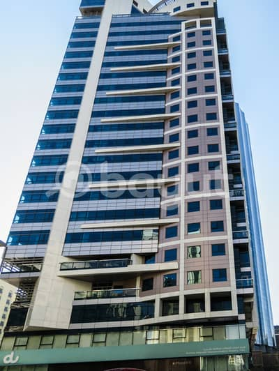 2 Bedroom Flat for Rent in Hamdan Street, Abu Dhabi - No Commission !! SPACIOUS  2 Bedroom  + Maids room  in breathtaking clean and bright building