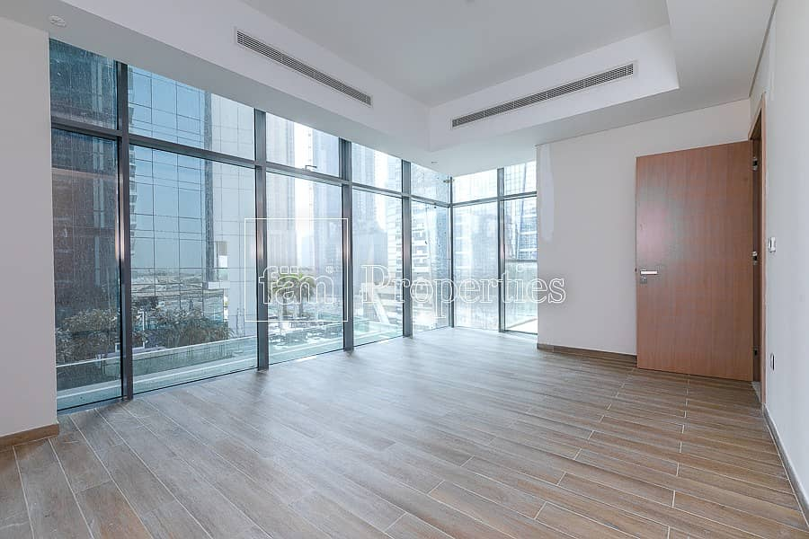 Large corner 1BR in new building | 2 min to D.Mall