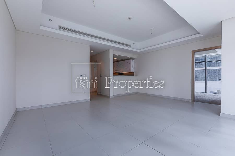 2 Large corner 1BR in new building | 2 min to D.Mall