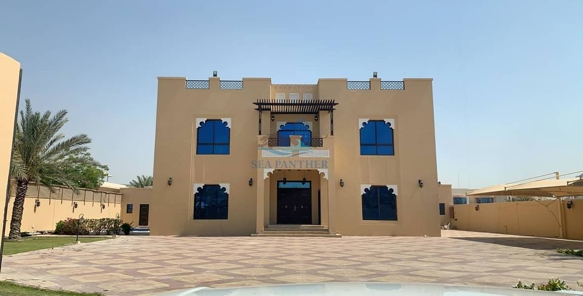 12 Gorgeous 4BR Villa with Pool and Beautiful Garden