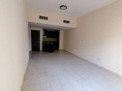 فلیٹ 1 غرفة نوم للايجار في ديسكفري جاردنز، دبي - شقة في طراز البحر المتوسط ديسكفري جاردنز 1 غرف 40000 درهم - 4397791