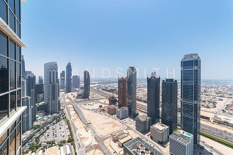 18 Amazing Views 4BR Penthouse in Executive Tower