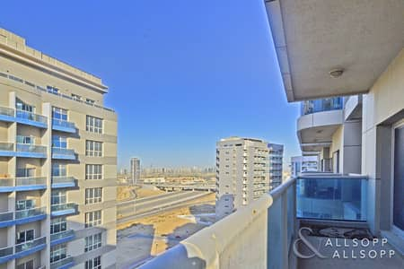 3 Bedroom Flat for Sale in Dubai Sports City, Dubai - 3 Beds | Close to Community | Vacant Now