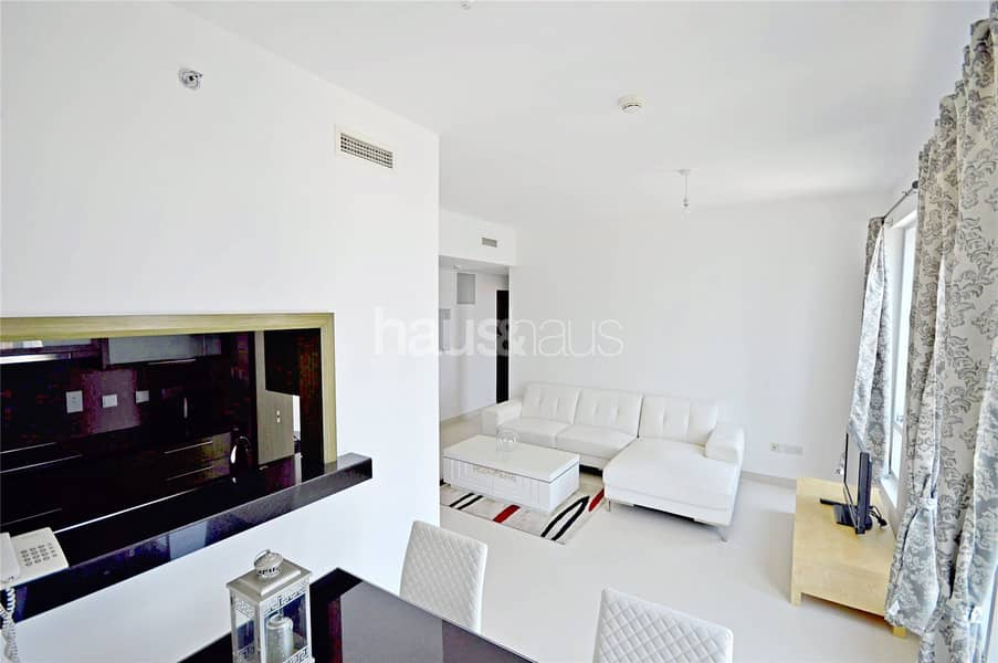 2 Vacant   Fully furnished   Modern finish