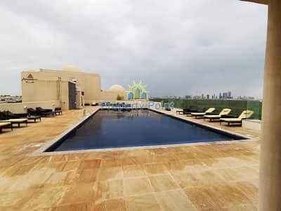 فلیٹ 1 غرفة نوم للايجار في الطريق الشرقي، أبوظبي - No Commission. 1 Month Free. Amazing Deal for Fully Furnished 1-bedroom Apartment w/ Balcony