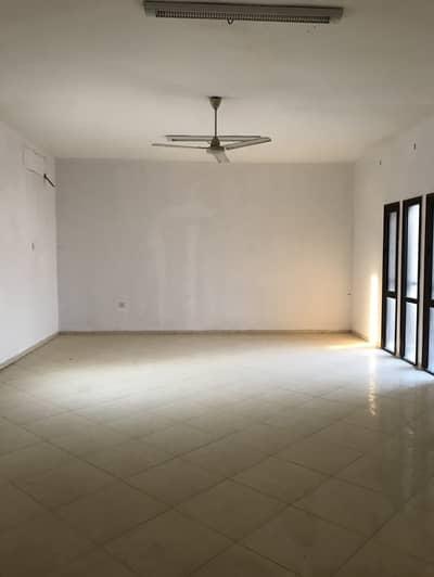 فیلا 7 غرف نوم للايجار في الرمثاء، الشارقة - فیلا في الرمثاء 7 غرف 80000 درهم - 4400096