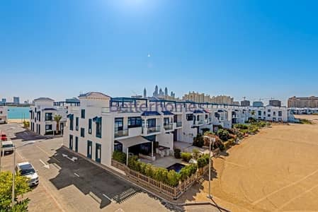 5 Bedroom Villa for Rent in Palm Jumeirah, Dubai - 5-Bed + Maids | Sea View | Chiller Free