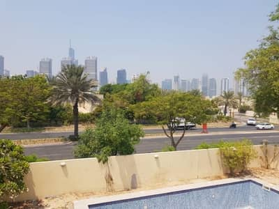 5 Bedroom Villa for Rent in The Meadows, Dubai - Well Maintained Compound Villa For Rent