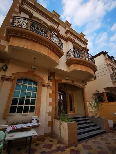 فیلا 5 غرفة نوم للايجار في المويهات، عجمان - فیلا في المويهات 2 المويهات 5 غرف 75000 درهم - 4400972