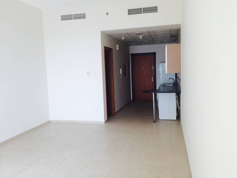 Perfect investment with 8.5% ROI l Vacant STUDIO
