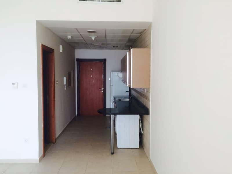 9 Perfect investment with 8.5% ROI l Vacant STUDIO