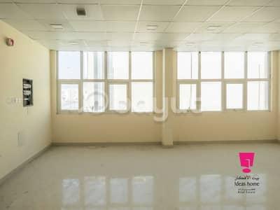 محل تجاري  للايجار في محيصنة، دبي - Ready to move in  2 FLoor Shop in Muhaisnah Second