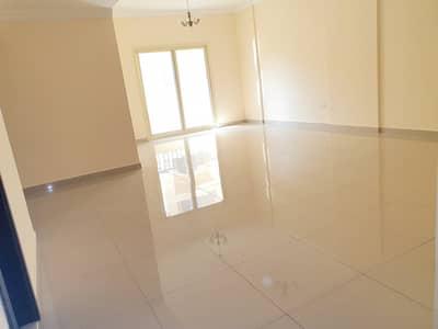 شقة 2 غرفة نوم للايجار في تجارية مويلح، الشارقة - شقة في تجارية مويلح 2 غرف 36000 درهم - 4401736