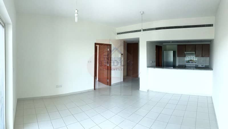 2 1BR Apt with Kitchen Appliances | Road View