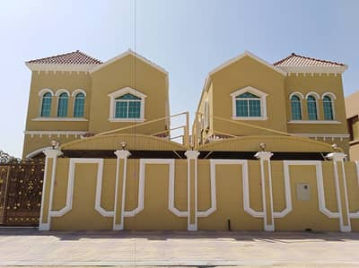 5 Bedroom Villa for Sale in Al Zahraa, Ajman - Villa for sale close to Sheikh Ammar Street at a very attractive price with the possibility of bank