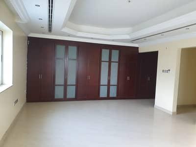 فیلا 6 غرف نوم للبيع في الفلج، الشارقة - فيلا للبيع بمنطقه الفلج خلف قصر الثقافه العمر 12 سنوات