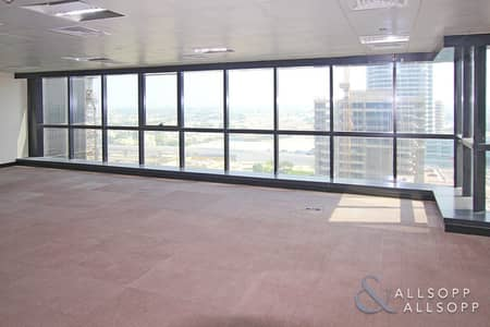 Office for Sale in Jumeirah Lake Towers (JLT), Dubai - Fitted Lake View Office | Pantry | Vacant