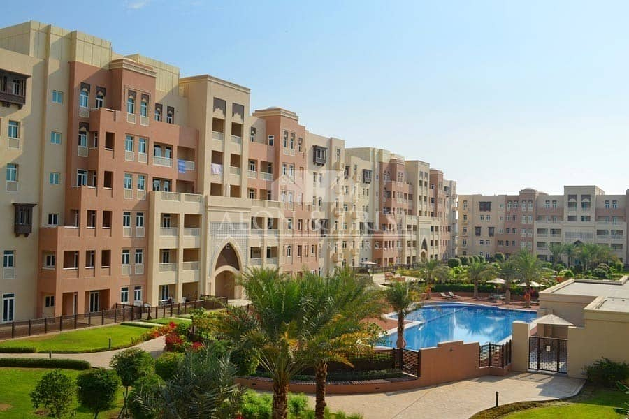 Best priced 3 Beds plus Maids with Pool View