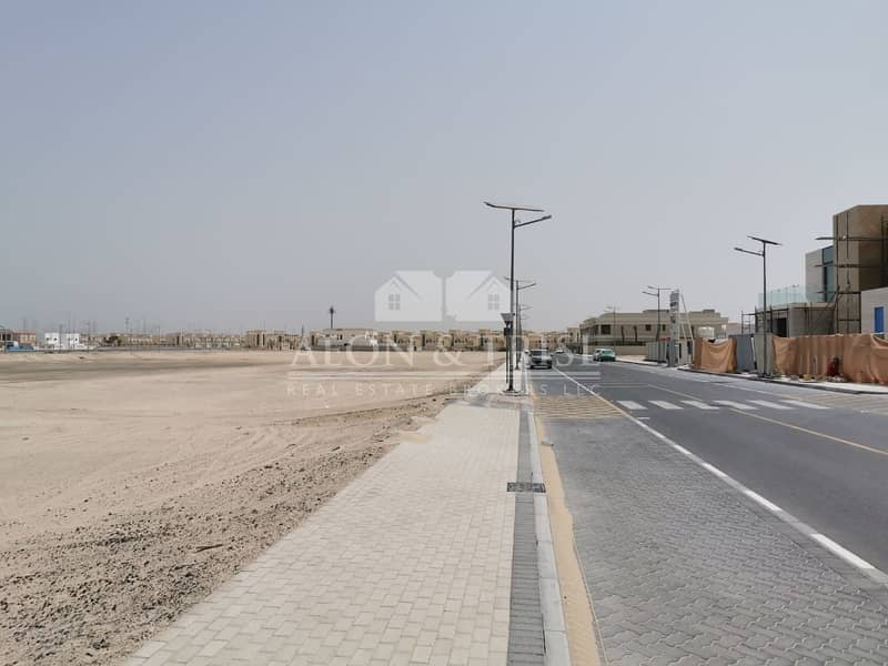2 Excellent location in jumeirah park