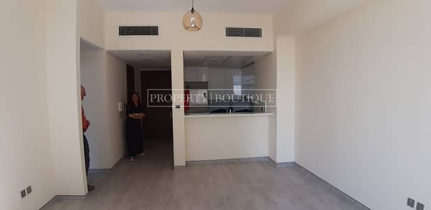 1 Bedroom Flat for Rent in Business Bay, Dubai - High floor 1 Bed with Appliances   Up to 4 Cheques
