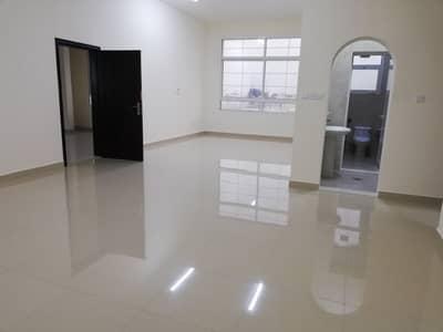فلیٹ 3 غرفة نوم للايجار في الشوامخ، أبوظبي - شقة في الشوامخ 3 غرف 70000 درهم - 4403187