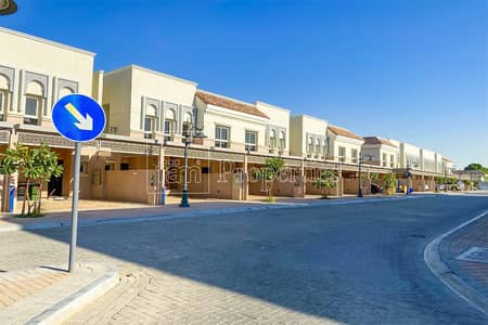 3 Bedroom Townhouse for Sale in Jumeirah Golf Estate, Dubai - Ready to move-in Corner 3BR+ Maid TH on Big Plot